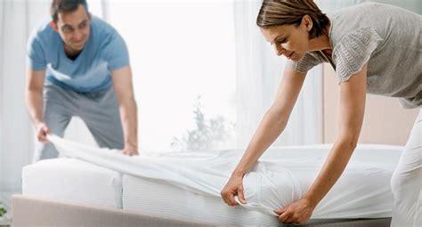 protege matelas incontinence prot 232 ge matelas al 232 se conseils pour acheter oreiller