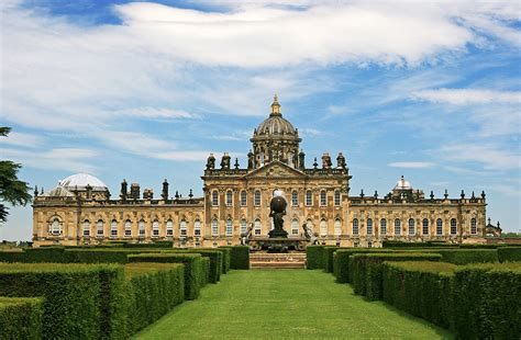 most beautiful english castles top 10 beautiful castles built around the world