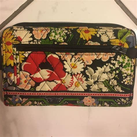 flower pattern vera bradley 57 off vera bradley handbags vera bradley clutch wallet