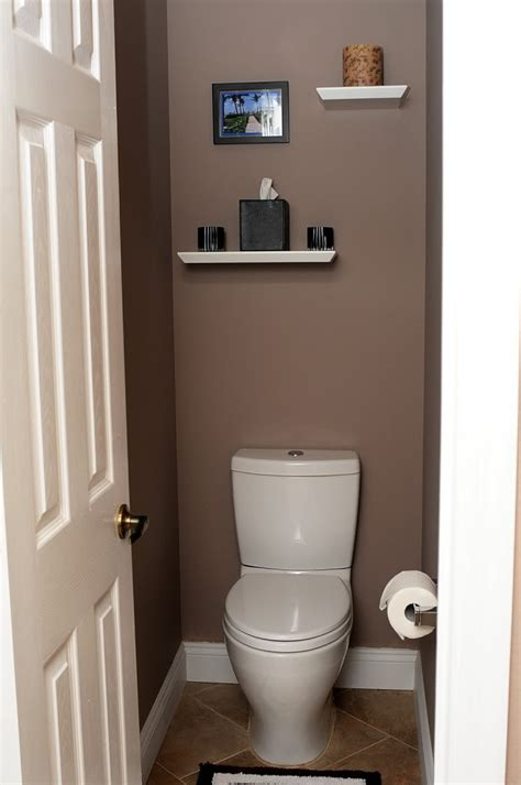 How To Decorate A Water Closet by Water Closet Diy