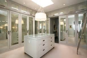 Closets With Mirrored Doors 15 Fantastic Customized Closet Layout Suggestions And Pictures Interior Design Inspirations