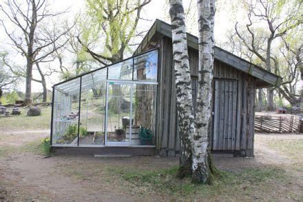 cabane maison serre le desordre maison verte