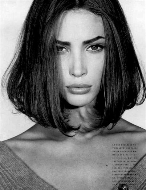 christy turlington short hairstyle christy turlington 90s icon photography i like pinterest