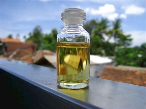 Minyak Cendana minyak cendana mistik sarana meningkatkan energi khodam