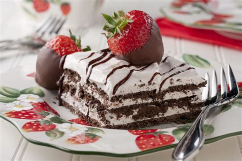 strawberry icebox cake mrfood com