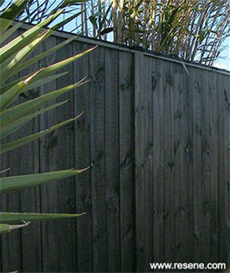 How To Match Paint Colors by Paint Or Stain Your Fence And Keep It Looking Good