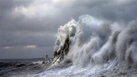 wavestormthegrease com desktop wallpaper lighthouse storm 52dazhew gallery