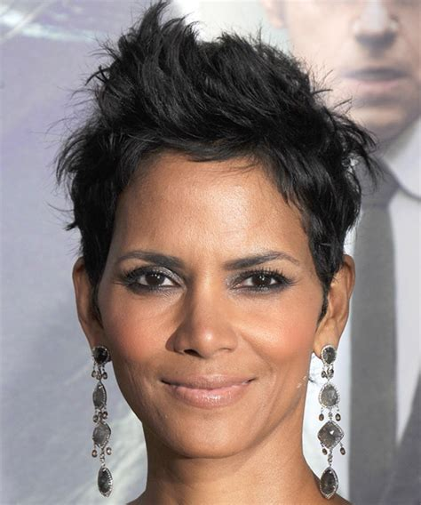 Halle Berry Short Straight Casual Hairstyle   Black