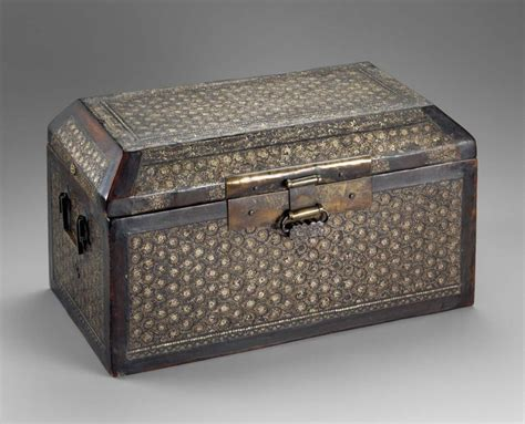 Kape Plastik Korea 13 Cm box 나전국당초문경함 螺鈿菊唐草文經函goryeo dynasty 13th c l 25 8 cm 10 3 16 in w 47 2 cm 18 9