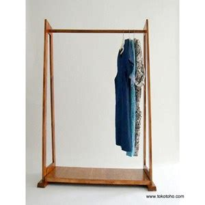 Rak Display Baju Kayu jual rak kayu harga murah jakarta oleh toko toho fashion