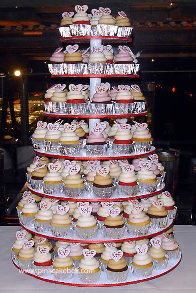 Mt's blog: Here 39s a delightful cupcake wedding tower we