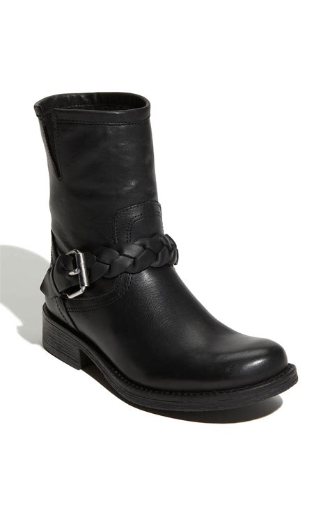 steve madden flair ankle boot in black black leather lyst