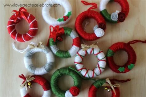 simple takehome gifts to make for guests at chridtmas dinner yarn wreath favors clean and scentsible