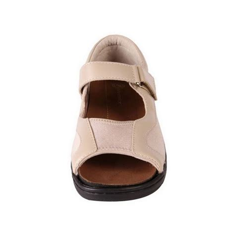 comfortable shoes for problem feet new pure comfort women s wide comfort sandal for bunions