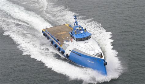 fast crew boats 50 m fast crew boat 5009 for transporting crew