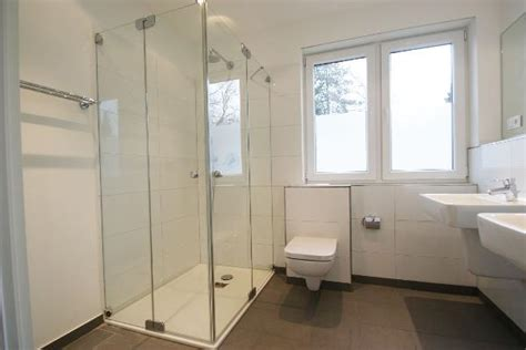 dusche mit fenster fishzero dusche mit fenster verschiedene design