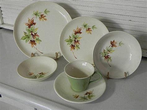 leaf pattern dishes salem china maple leaf pattern delightful dinnerware