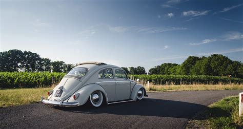 wallpaper volkswagen vintage wallpaper volkswagen beetle tuning vintage car wheel