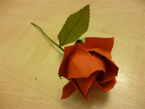 Origami Roses With Stems - 3d origami vase with flower atelier ilyere