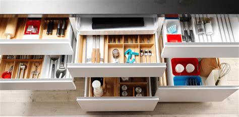 accesorios de muebles 8 accesorios para muebles de cocina realmente pr 225 cticos