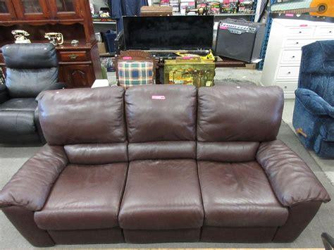 used leather sofa natuzzi leather sofa used