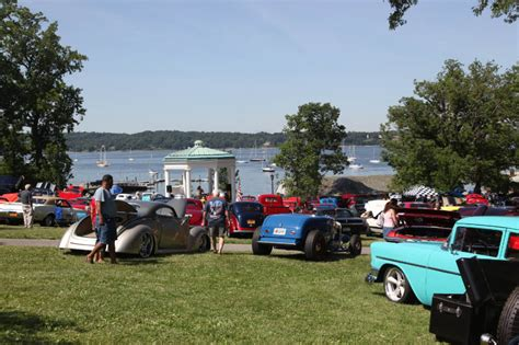 glen cove car show vanderbilt cup races smile and thumbs ups from