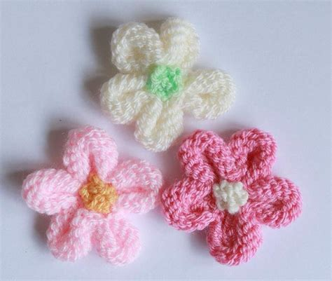 how to knit crochet flowers free pattern friday projects in bloom on craftsy