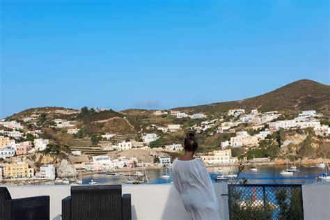 hotel a ponza porto hotel ponza posizione hotel torre dei borboni isola di ponza