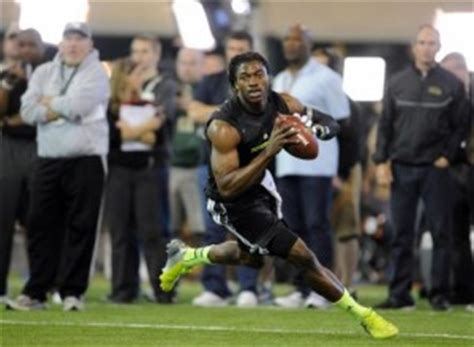 rg3 bench press 10 most jacked guys in the 2012 nfl draft
