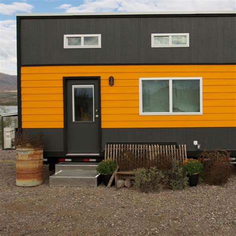 Tiny House Nation Tiny House Tour Surf Shack Chic Fyi Tiny House Nation Fyi