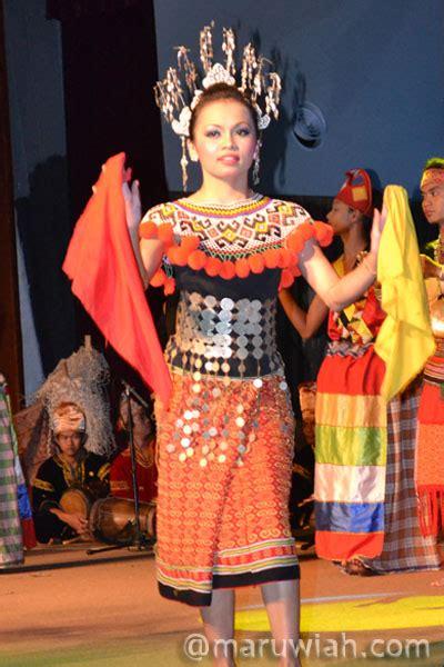 Nama Baju Perempuan Iban pakaian tradisional etnik sarawak maruwiah ahmat