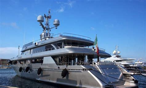 d italia siracusa quot il d italia quot di dolce gabbana ormeggiato nel porto