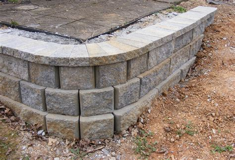How To Build A Garden Wall How To Build A Simple Retaining Wall