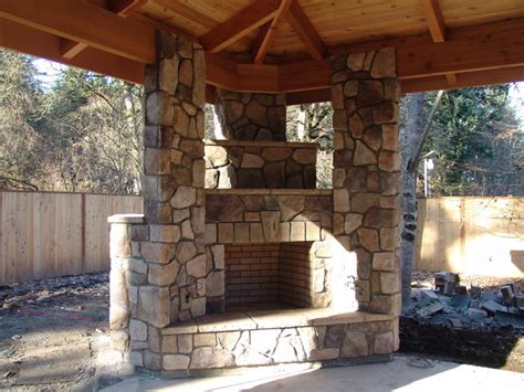 Outdoor Fireplace with BBQ Grill and Pizza Oven