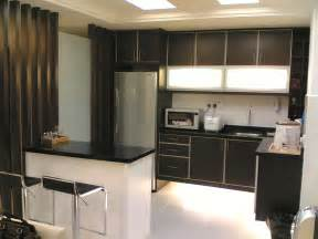 Modern Kitchen For Small House дизайн квадратной кухни в стандартной городской квартире