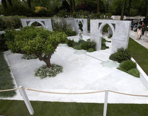 Garden Of Quran A Person Views The Garden The Of Islam By Al Barari