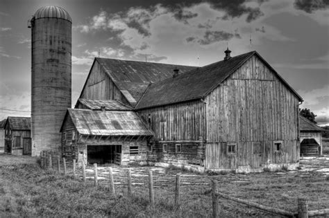 Black And White Barn Drawing
