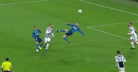 cristiano ronaldo juventus goal cristiano ronaldo scores an absolutely must see bicycle kick 2017 18 uefa