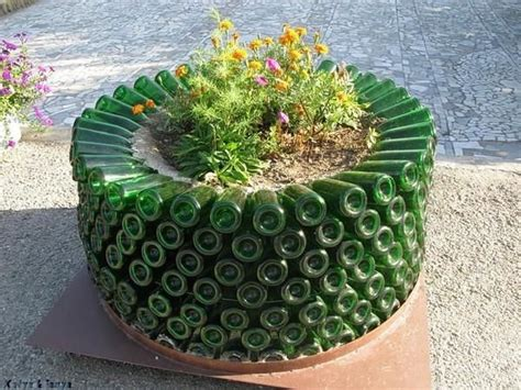 Recycled Garden by 17 Inspirational Ideas How To Recycle Trash Into