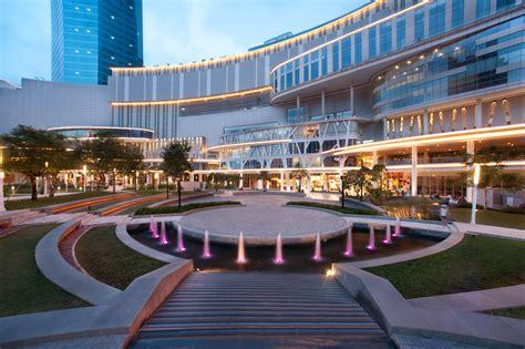 Di Jakarta 10 mall di jakarta yang harus kamu kunjungi