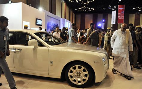 roll royce hyderabad showcasing rolls royce ghost saloon emirates 24 7