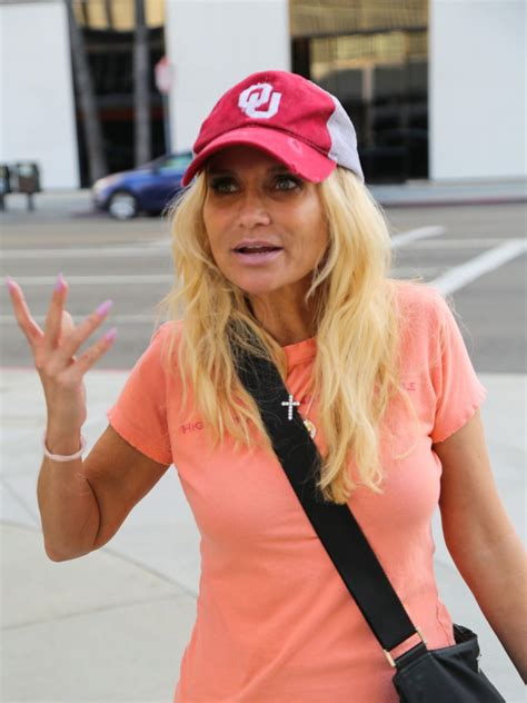 you searched for kristin chenoweth kchenoweth twitter home and kristin chenoweth doing some shopping in beverly hills