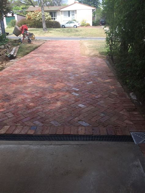images  driveway landscaping  curb appeal ideas  pinterest landscaping