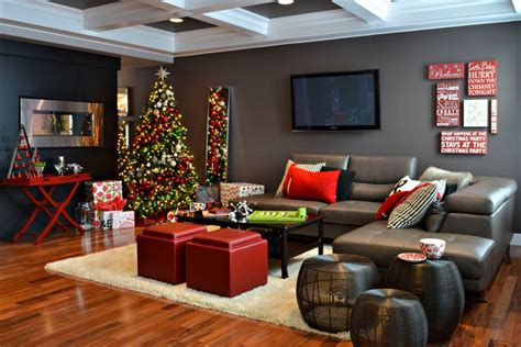 gorgeous rotating tree stand in living room