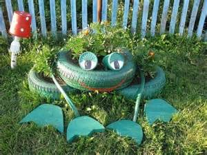 Flower Garden Decorations Frog Made From Tire Reuse Tires Garden Junk Ideas Decoration Frog Flower Bed Lawn