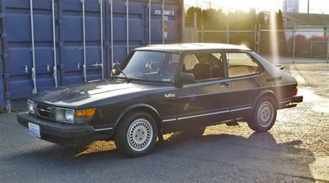 two swedes walk into 2 8bar 1983 and 1985 saab 900