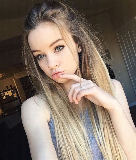 pretty women with long foreheads open rp i walk in the mall looking for a starbucks shop