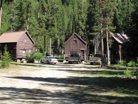 Deadwood Cabins by Idaho Wilderness Lodge Deadwood Outfitters