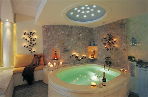hotel room with bathtub hotels with in room jacuzzi eccentric hotels