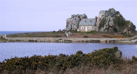 house between two rocks house between two rocks